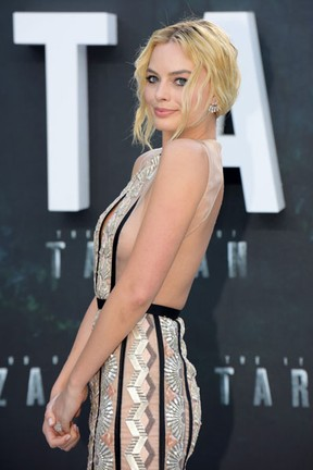 Margot Robbie em première de filme em Londres, na Inglaterra (Foto: AKM-GSI/ Agência)