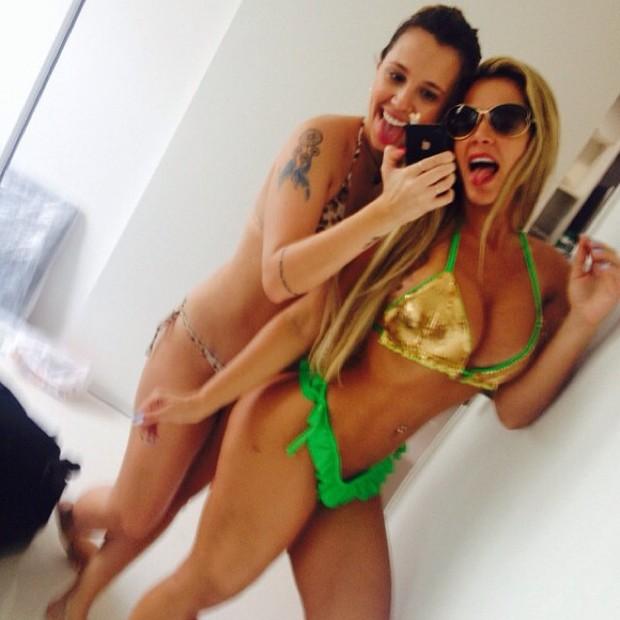 Denise Rocha e Angelis Borges (Foto: Instagram / Reprodução)