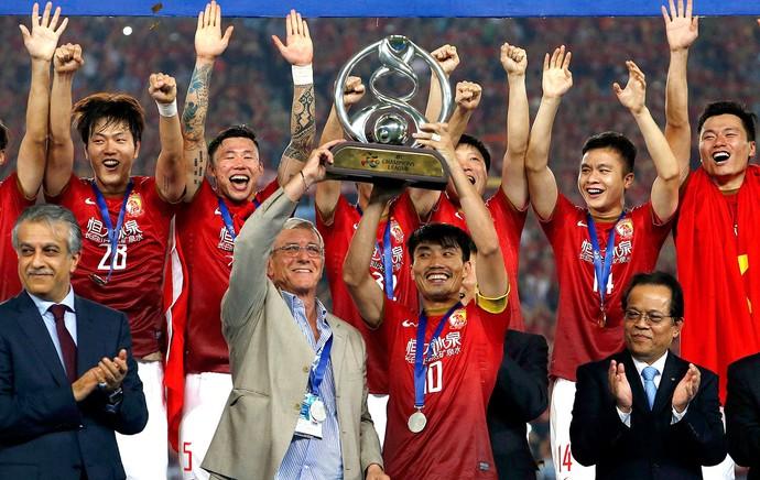 comemoração Guangzhou Evergrande troféu Ásia (Foto: Getty Images)