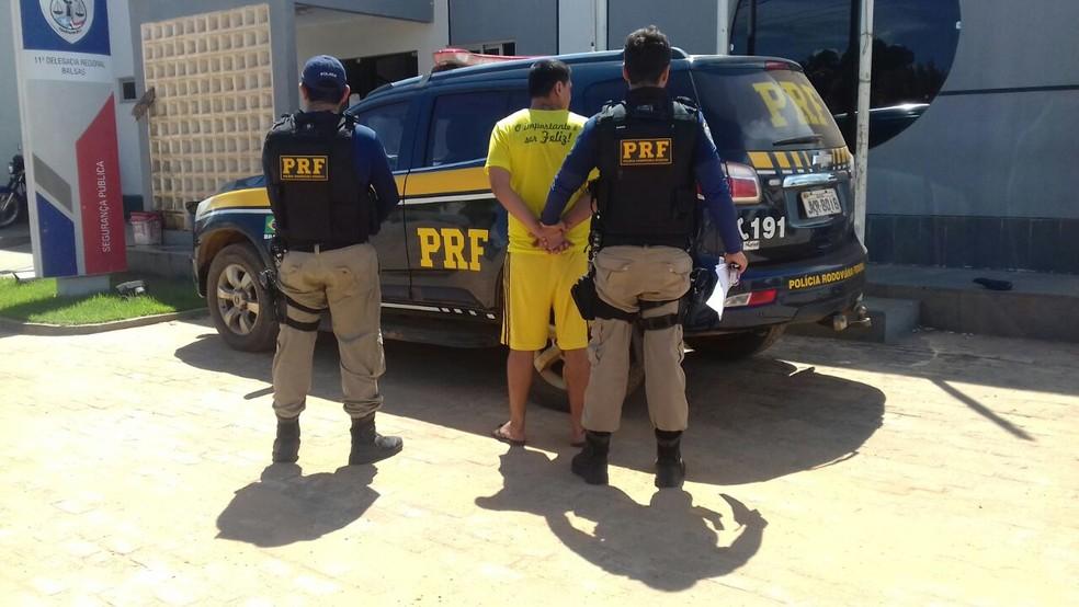 Homem possui mandado de prisão por homicídio ocorrido em Itatiba (SP) (Foto: Divulgação/Polícia Rodoviária Federal)