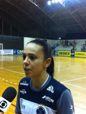 Vanessa anotou dois gols na pimeira final da Liga Futsal (Foto: João Marcelo Sena)