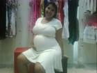 Priscila Pires posta foto de seu barrigão no Twitter
