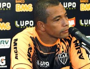 Gilberto Silva coletiva Atlético-MG (Foto: Leonardo Simonini)