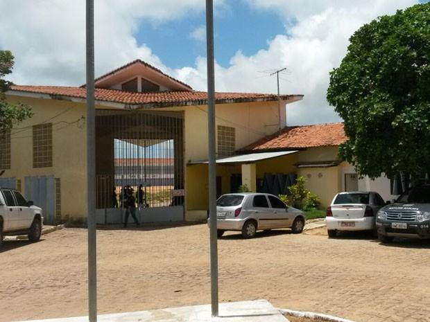 Diretora da Penitenciária de Alcaçuz foi afastada do cargo (Foto: Marksuel Figueredo/Inter TV Cabugi)