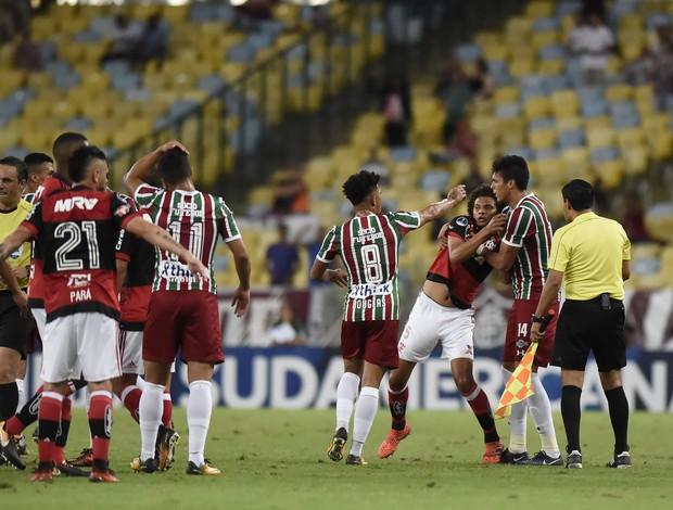 Confusão Willian Arão Flamengo x Fluminense