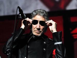Waters prepara-se para cantar durante show no Rio: músico britânico também se apresenta no Estádio do Morumbi, em São Paulo, nos dias 1º e 3 de abril (Foto: Alexandre Durão/G1)