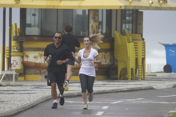 Cleo Pires correndo (Foto: Dilson Silva/ Ag. News)