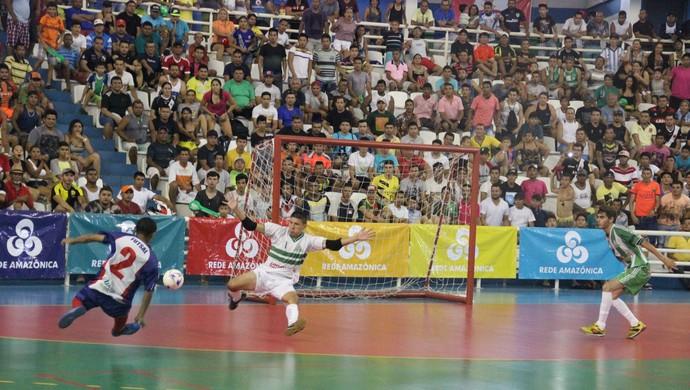 Amigos do Alfredo e Seleção Coariense disputaram o título masculino (Foto: Marcos Dantas)