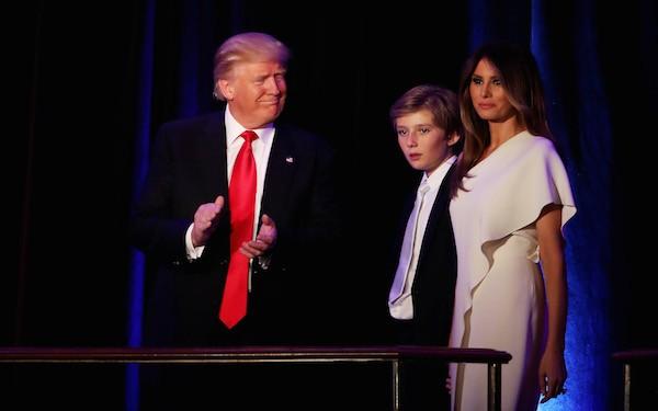 Donald Trump, Melaina Trump e Barron Trumo (Foto: Getty Images)