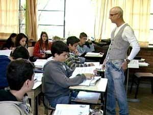 Apadrinhamento foi técnica utilizada em uma escola (Foto: Reprodução / TV Integração)