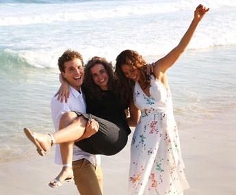 O trio se diverte durante gravação (Foto: Carol Caminha/Gshow)
