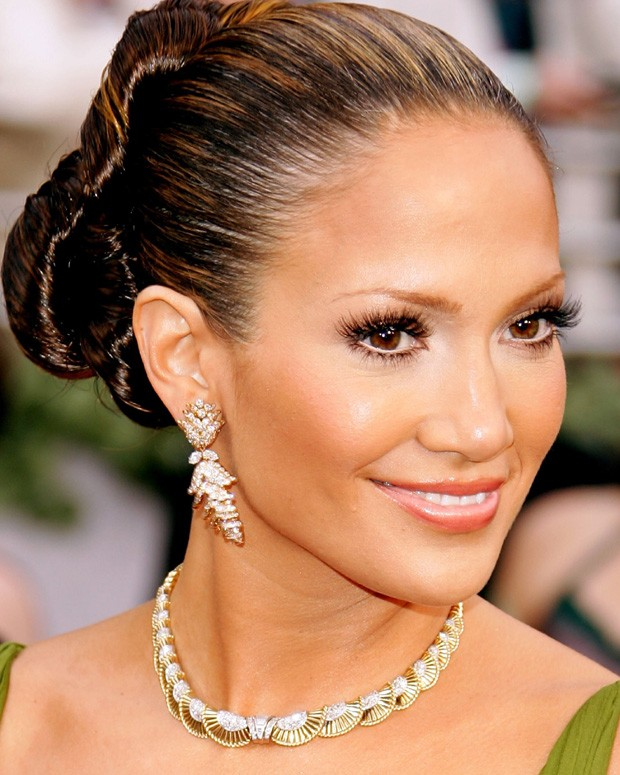 JLo com seus maxi cílios (Foto: Getty Images)