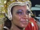 Rainha chora por não poder cuspir fogo (Káthia Mello/G1)