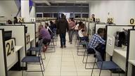 Pessoas com mais de 50 anos enfrentam dificuldades para conseguir uma vaga de emprego