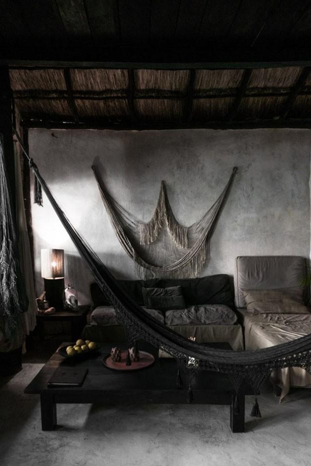 Décor do dia: sala de estar rústica e monocromática (Foto: reprodução)