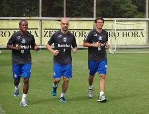 Zé Roberto, Cris e Elano foram poupados de treino do Grêmio (Foto: Hector Werlang/Globoesporte.com)