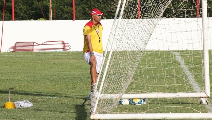 Oliveira Canindé, técnico do América-RN (Foto: Fabiano de Oliveira)