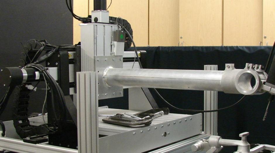Ao saber onde estão os nervos e veias que deve evitar, a máquina consegue reduzir o tempo de um procedimento (Foto: Divulgação)