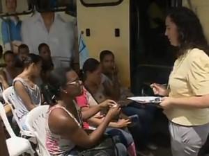 SineBahia oferece 2 mil vagas para operador de telemarketing (Foto: Reprodução/TV Bahia)