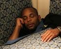 Lutadores torcem timidamente para os EUA na Copa, e Cormier dorme
