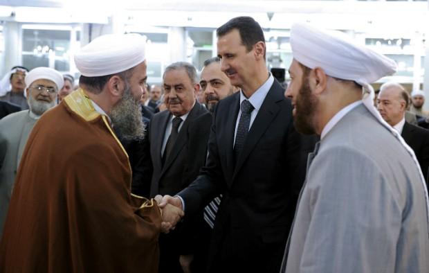 Bashar al Assad reaparece em público na Síria (Foto: AP Photo/SANA)