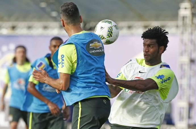 Gil treino seleção brasileira Viamão (Foto: Rafael Ribeiro / CBF)