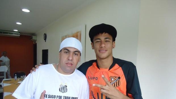 André Luiz Oliva torcedor do Santos (Foto: Reprodução/ Facebook)