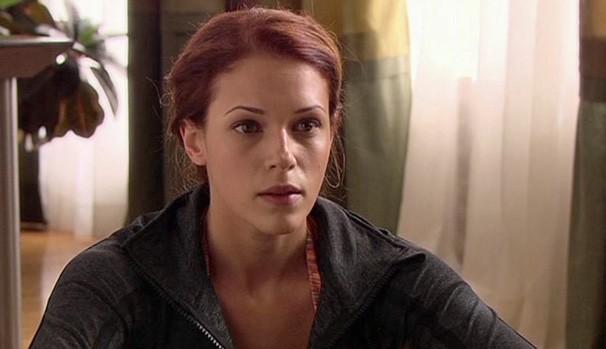 Amanda como Maren Abbott em 'Infidelidade Virtual' (2011) (Foto: Divulgação/Reprodução)