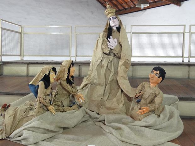 Artesã faz obras a partir de material reciclável (Foto: Divulgação/Memorial da Cidade)
