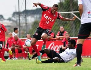 Atlético-PR vence o Joinville no CT do Caju (Foto: Divulgação/Site oficial do Atlético-PR)