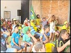 Moradores de Vitória Brasil 'dão sorte' e comemoram classificação