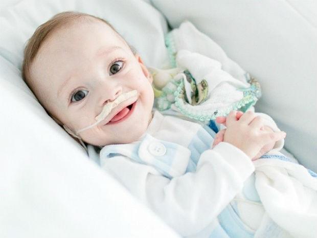 Campanha pede doações para cirurgia de Pedrinho (Foto: Campanha Amigos do Pedrinho/Divulgação)