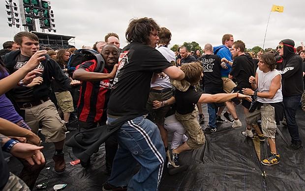 Metaleiros se comportam como partículas de gases, diz estudo (Foto: Leon Neal/Arquivo AFP)