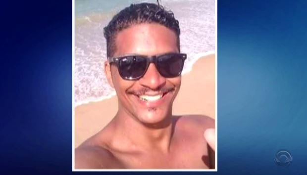Alexsandro Luz Ferreira morreu dias após ser espancado (Foto: Reprodução/RBS TV)