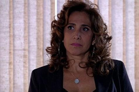 Totia Meirelles em cena como Wanda em 'Salve Jorge' (Foto: Divulgação/TV Globo)