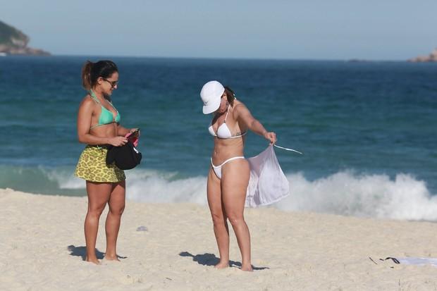 Zilu na praia (Foto: Dilson Silva / Agnews)