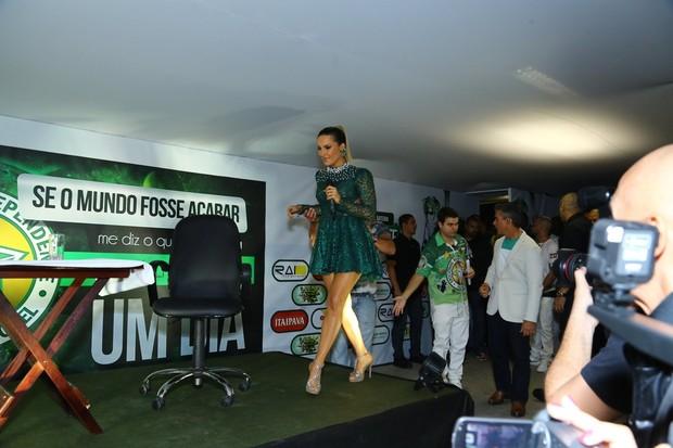 Claudia Leitte (Foto: Anderson Borde/Marcello Sá Barretto/Thiago Mattos/AgNews)