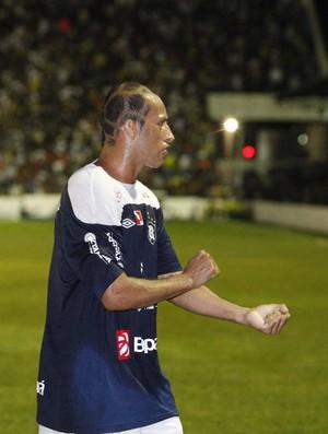 'Sangue' pelo Remo. Meia Ratinho vai se destacando na Série D (Foto: Tarso Sarraf/O Liberal)
