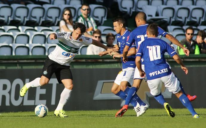 Coritiba Cruzeiro Kleber Gladiador (Foto: Giuliano Gomes/ Agência PRPRESS)