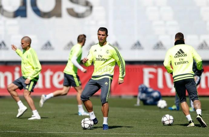 BLOG: Vai jogar? Real Madrid divulga vídeo de Cristiano Ronaldo treinando com bola