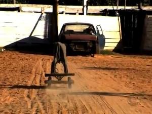 Piquete de Laçadores Porteira Gaúcha tem vaca mecânica (Foto: Reprodução/RBS TV)