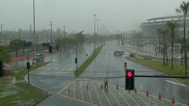 Entorno Maracanã alagado (Foto: Reprodução SporTV)