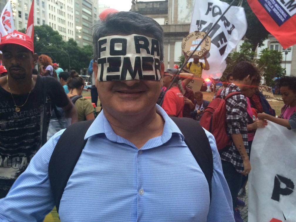 Engenheiro Leonardo Palermo participou de ato no Centro do Rio (Foto: Matheus Rodrigues/G1)