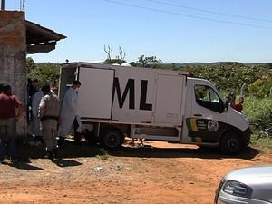 Dupla invade casa após festa e mata 3 pessoas em Aparecida de Goiânia, GOiás 2 (Foto: Reprodução/TV Anhanguera)