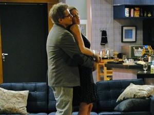 Vânia e Felipe estavam no maior clima romântico (Foto: Guerra dos Sexos / TV Globo)