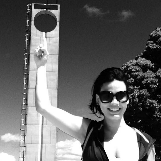 Leticia Lima no Marco Zero, em Macapá, em agosto de 2014 (Foto: Reprodução/Instagram)