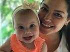 Thais Fersoza mostra os primeiros dentinhos de Melinda