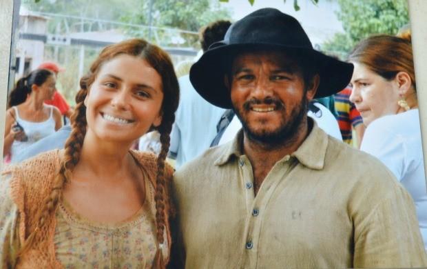 Valdenízio Rego com a atriz Giovanna Antonelli nas gravações da minissérie (Foto: Arquivo Pessoal)