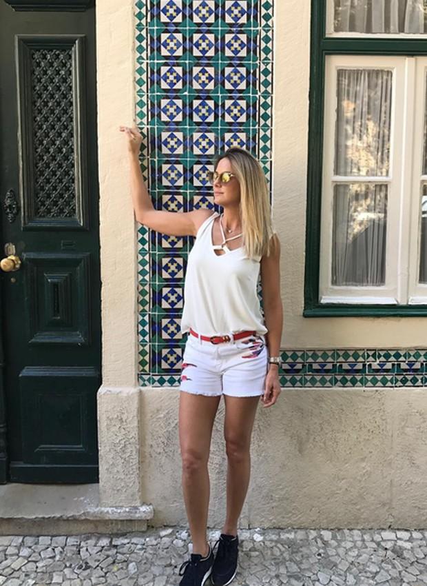 Ticiane Pinheiro nas ruas de Lisboa, em Portugal (Foto: Reprodução/Instagram)