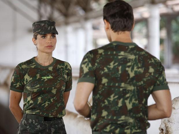 Érica aceita namorar com Élcio (Foto: Salve Jorge / TV Globo)